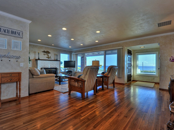 Santa Cruz Vacation Rental - 1600 West Cliff - Wonderful ocean views from the living room